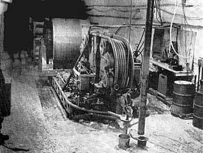 Буровой снаряд готов к спуску (станция Берд, Антарктида. 1968 г.)