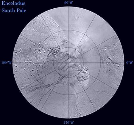 Южный полюс Энцелада ( снимок составлен из данных Кассини и Вояджера )